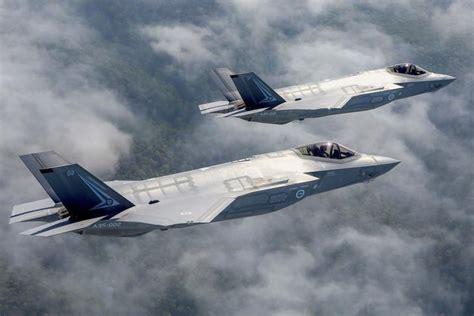 资料图片磷苗:澳大利亚空军的F-35A隐身战机编队顷。(图片来源于网络)