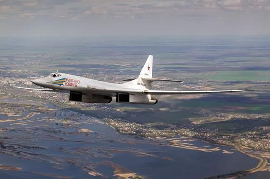 美国大使对前往委内瑞拉的俄战略轰炸机放嘲讽