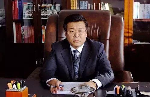 """牡丹江市副秘书长被追逃 系""""曹园""""座上宾属下"""