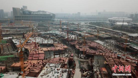 2月26日,航拍建设中的第19届亚运会场馆。中新社记者 王刚 摄