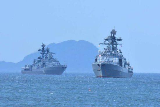 图为俄海军大型舰艇