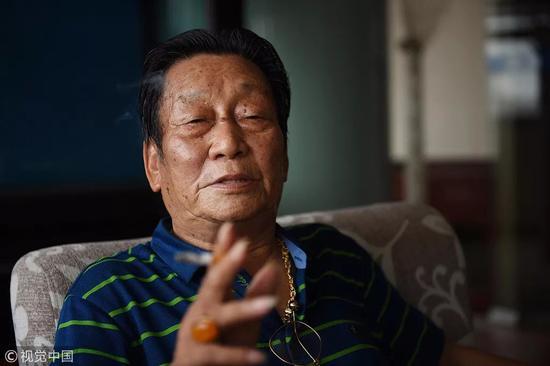▲安徽芜湖的年广久靠卖瓜子成小城最早的百万富翁。 图片来源:视觉中国