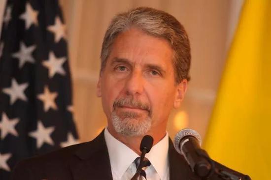 美国驻哥伦比亚大使惠特克