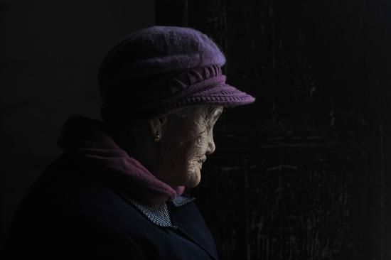 """91岁的""""慰安妇""""幸存者刘慈珍在自己家中。 新京报记者 吴江 摄"""