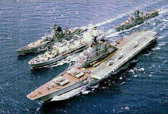 那说到集合航母和巡洋舰功能……考虑考虑?