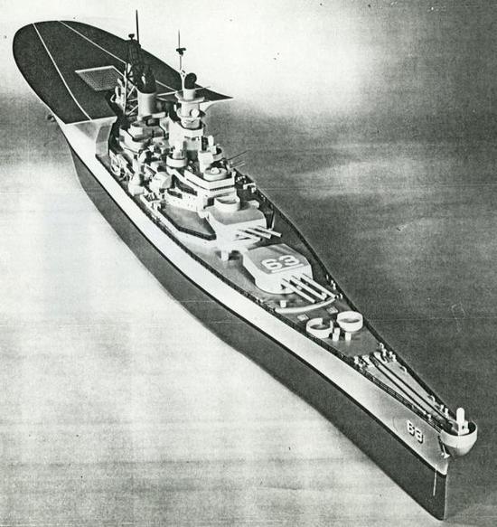 """当年的""""衣阿华""""级改装方案――在舰艉安装飞行甲板容纳8架""""海鹞""""……颇有异曲同工之妙"""