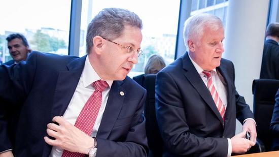 德国安全部门前负责人(左)与内政部长(图:今日俄罗斯)