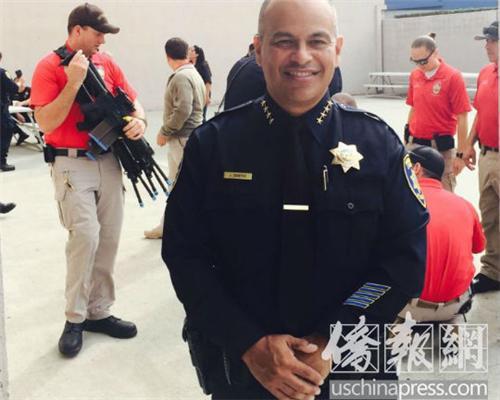 尔湾加大察警局负责人Jorge Cisneros 。 (图片来源:美国侨报记者 尚颖 摄