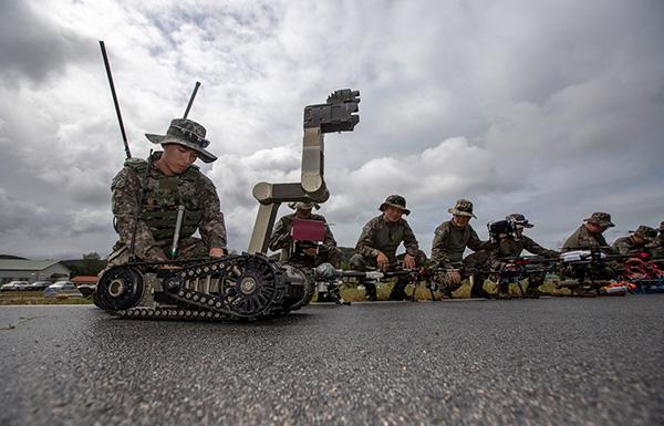 韩国计划到2024年开始使用军事机器人,将模仿人类或动物