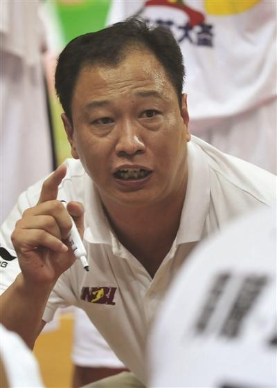 冠军教练崔万军 重掌同曦教鞭