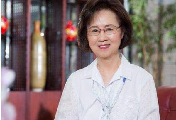 马上评|琼瑶追忆平鑫涛,一次有关爱情与死亡的双重教育