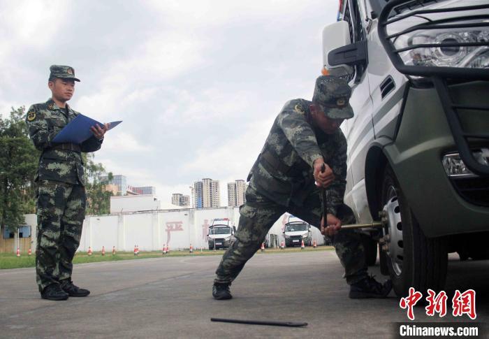 武警福建总队龙岩支队组织2020年驾驶员复训工作
