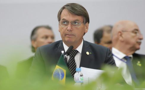 巴西单日新冠确诊人数破历史纪录,却率先开放外国入境旅游