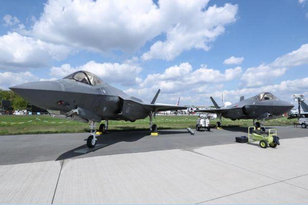 美媒:空中格斗已成历史?美欲研发AI主导空战新模式