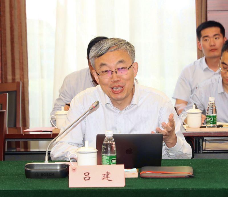 全国政协无党派人士界委员考察团来南京大学调研