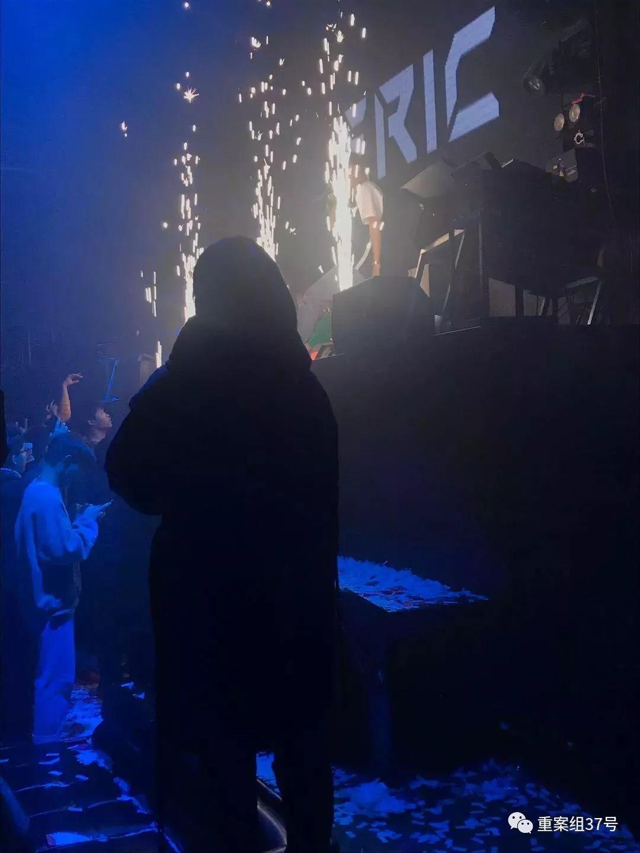 ▲罗妹姑在space酒吧。新京报记者 王昱倩 摄