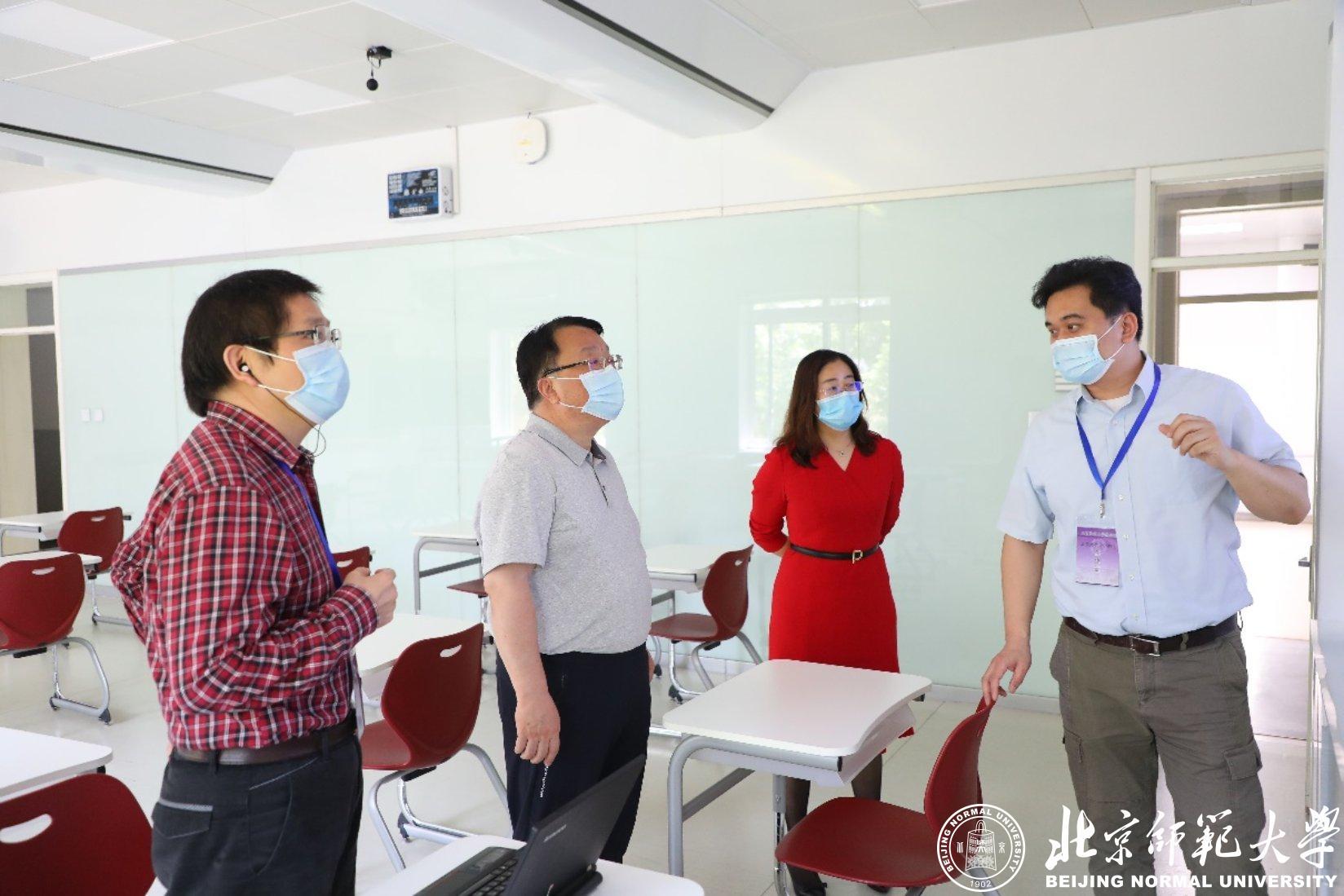 学校领导检查指导研究生网络远程复试工作