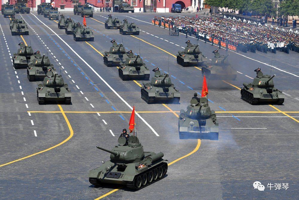 红场大阅兵后 普京作出这个手势!
