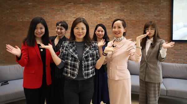 苹果设立国际女性月,苹果中国掌门:开会时要求女性坐桌前