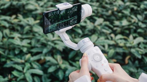 快三稳赚计划十大品牌:Vlog越来越流行 年轻人扎堆买最新拍摄神器