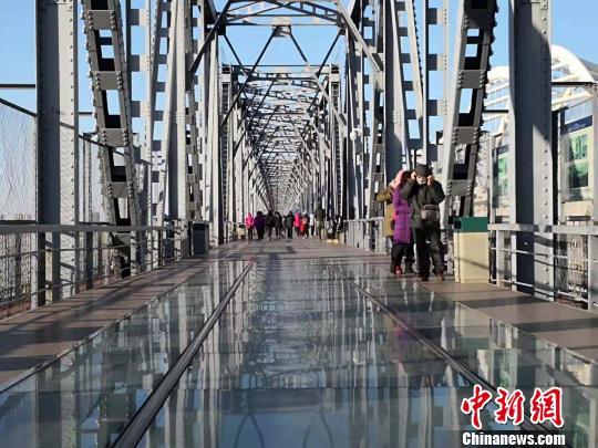 中东铁路公园二期开放 松花江黑土文化引南北游客驻足