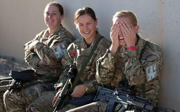 资料图:英国女兵。
