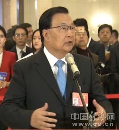 全国人大代表谭耀宗:港人希望与内地做到人流、物流、资金流互联