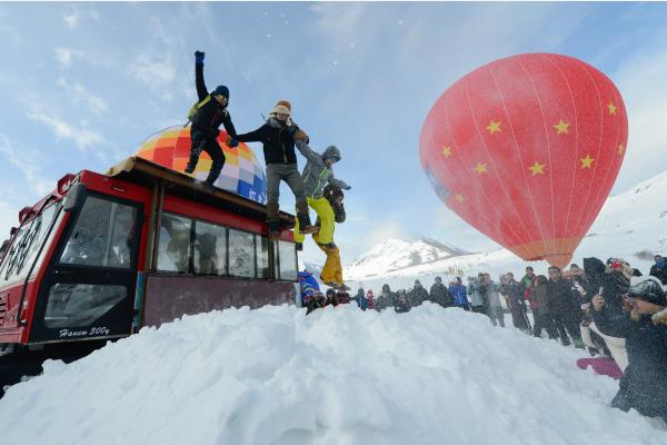 """随便一套装备2万元,冬奥会来了如何让三亿人常年""""滑雪""""青岛旅游景点冬季"""