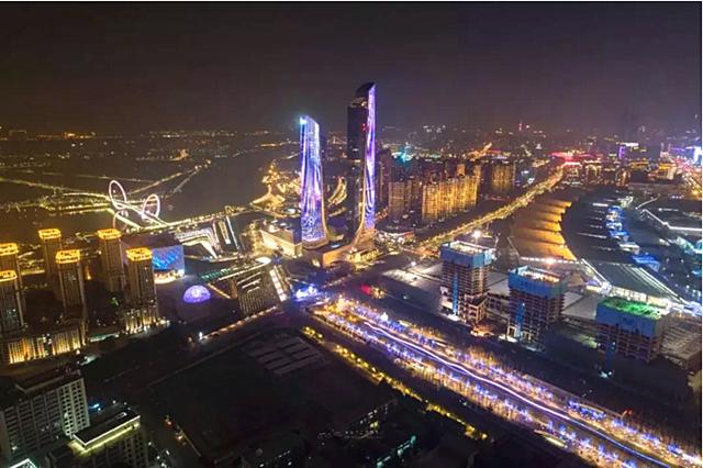7日晚,南京国际青年文化广场有国际青年诗会