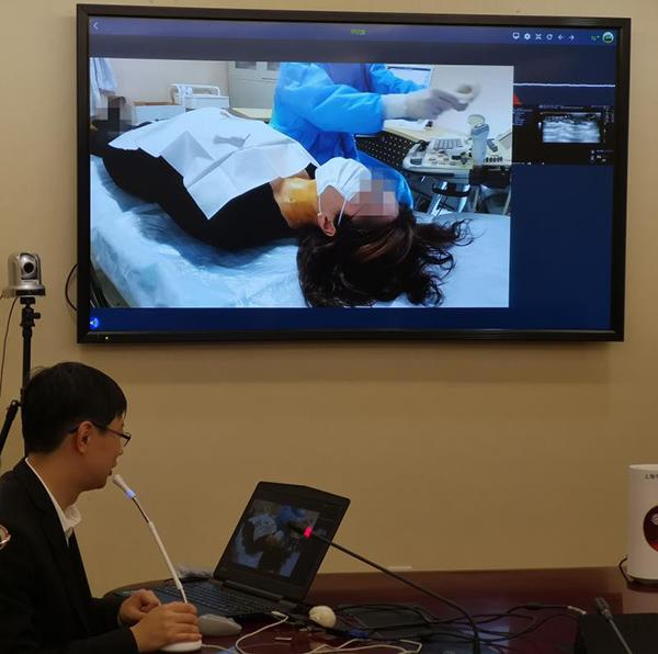 """5G医疗什么样?超声影像高清显示,连""""跳跃""""的针头都可见"""