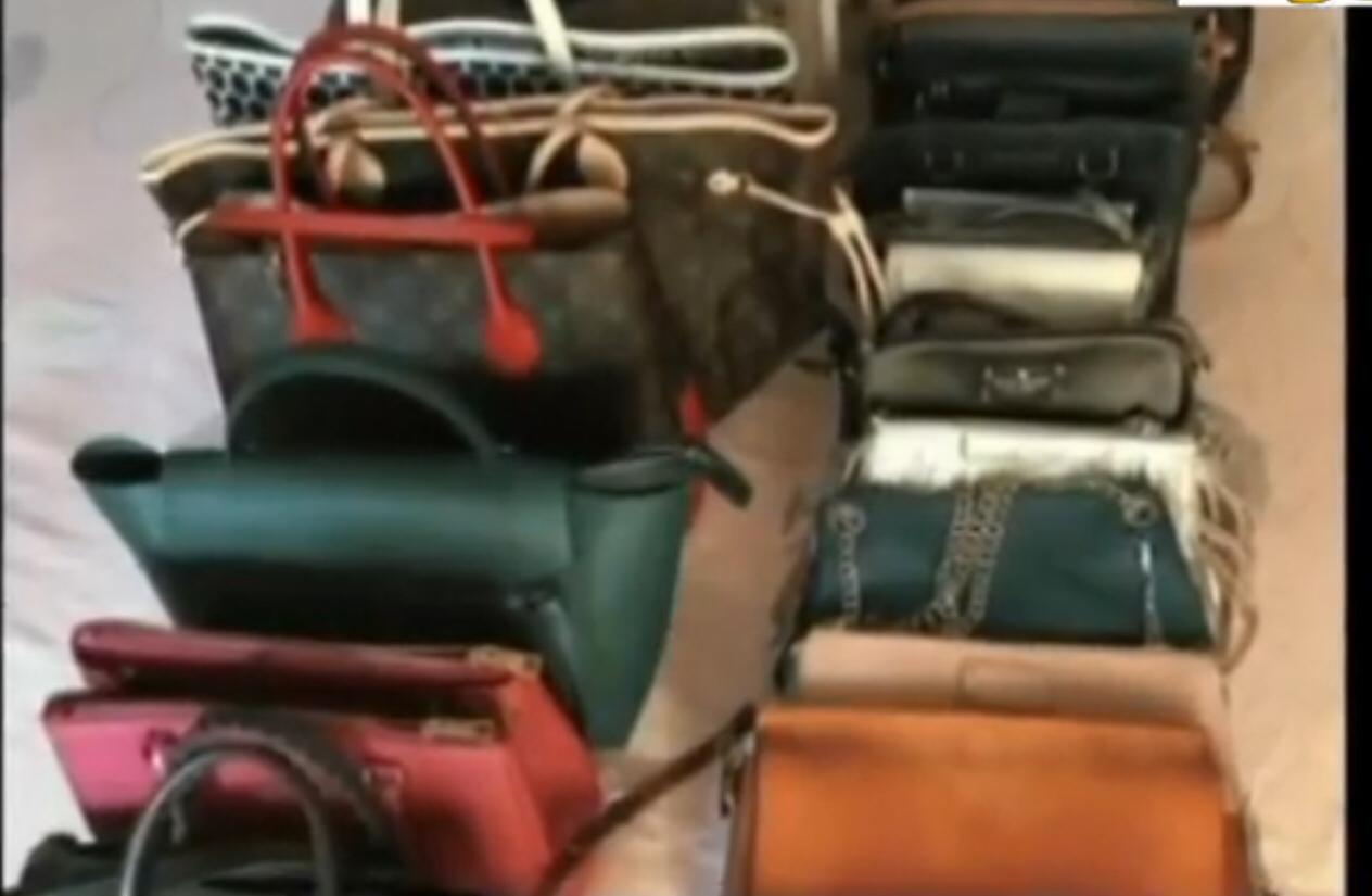 田某用赃款购买的奢侈品包。网络图
