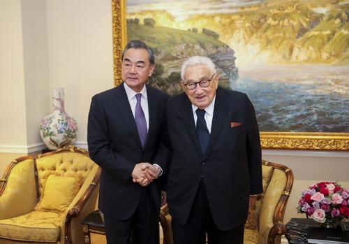 基辛格与王毅在美会面:美敌视中国言论非主流观点