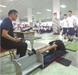 武汉体育中考昨开考 遇恶劣天气会暂停考试