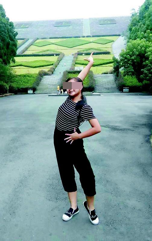 郑云亚的女儿小应喜欢跳舞。 半岛晨报 图