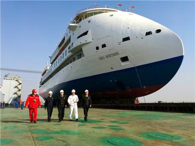 我国首艘极地探险邮轮建成下水