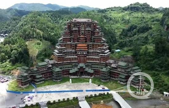 """贵州独山正在拆""""天下第一水司楼""""?当地回应:实为升级改造"""