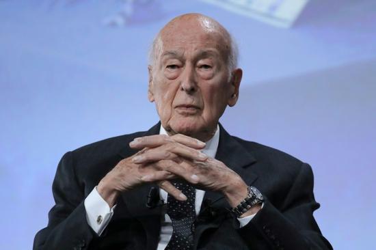 外媒:94岁法国前总统德斯坦呼吸困难 被送ICU