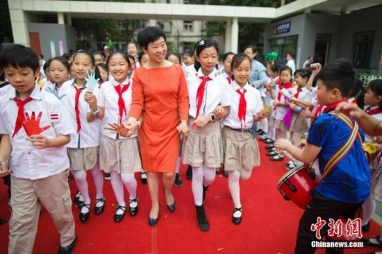 涨工资、减负担,1792万中国教师查收好消息