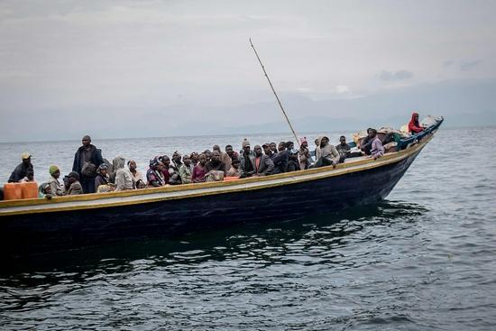 外媒:刚果(金)沉船事故造成近百人死亡或失踪