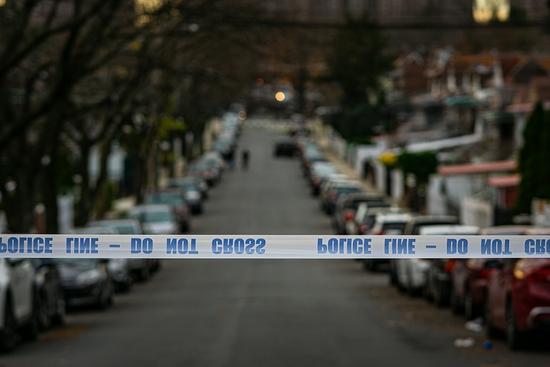 纽约一男子拒戴口罩 被警告后连刺保安数刀