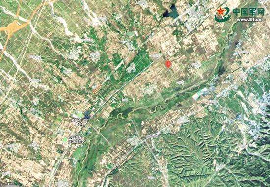 阳明堡地域卫星舆图,红1处为阳明堡机场陈迹,其西北方的滹沱河亦可识别。