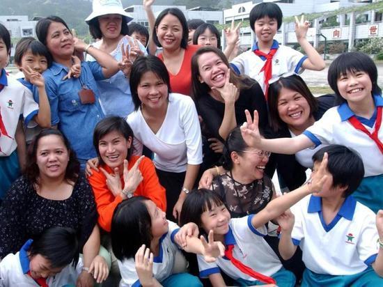 有许多菲律宾人在中国工作