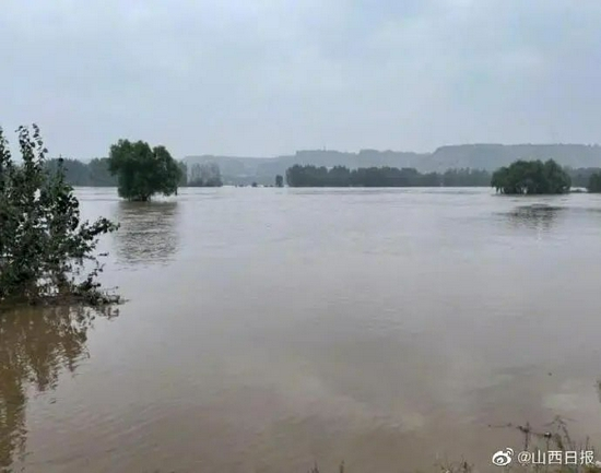 汾河山西河津段迎来57年来最大洪水