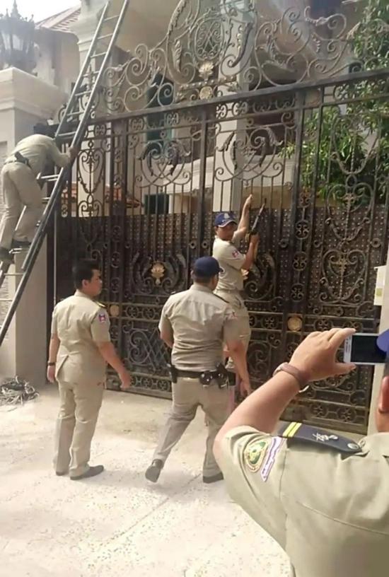 """中国警察""""误闯""""柬埔寨将军府,结果……"""