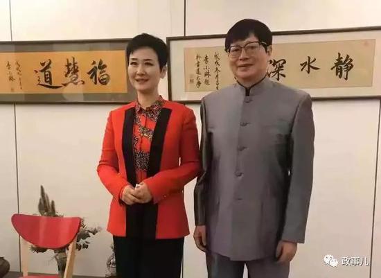 图为李小琳(左)和书法家佛涛(右)