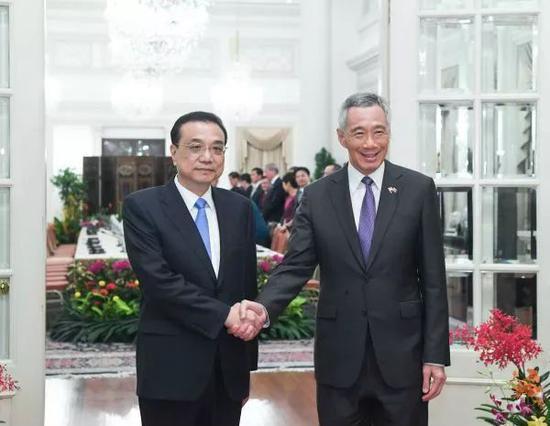 ▲2018年11月12日,李克强总理与新加坡总理李显龙举办谈判。 (新华网)