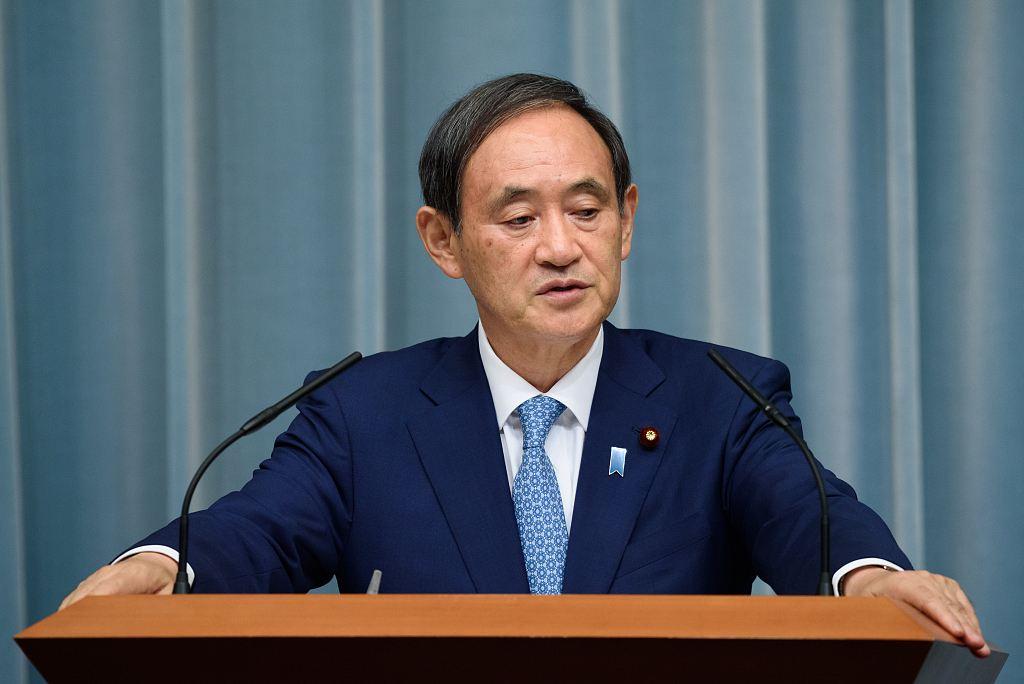 """从""""三无""""政治家登顶日本首相 菅义伟能走多远?"""