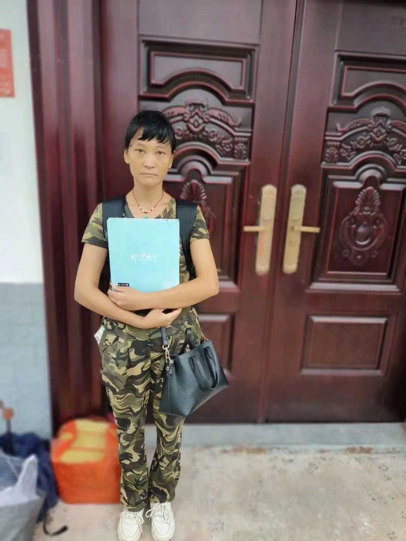 一无所有的馈赠:她盼接过女儿视力的人能帮看眼校园