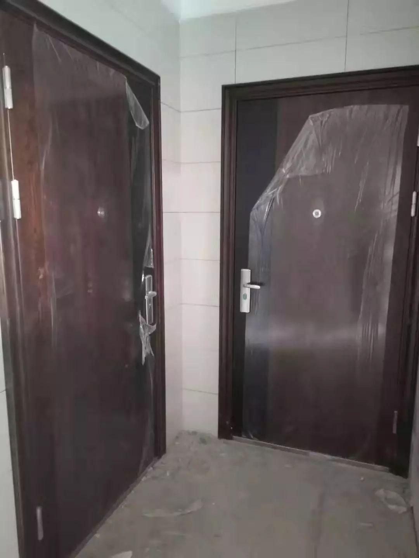 真不是魔术!济南一小区多户防盗门用扇子就能打开