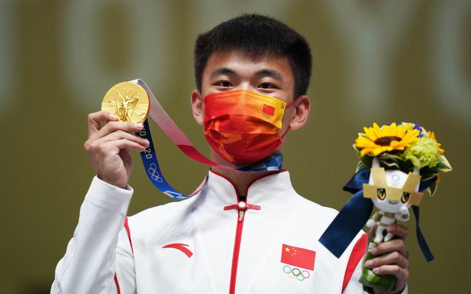 """两位奥运冠军战至单枪决胜 张常鸿""""绝杀""""杨皓然"""